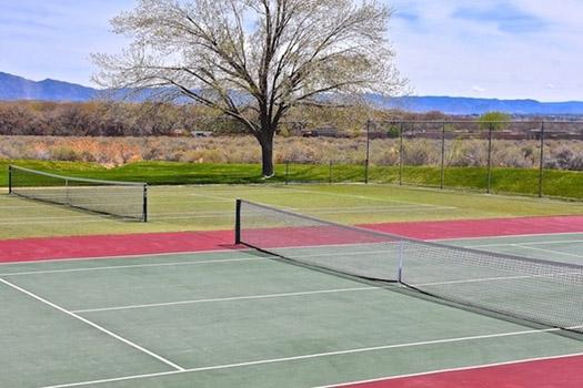 La Luz tennis courts